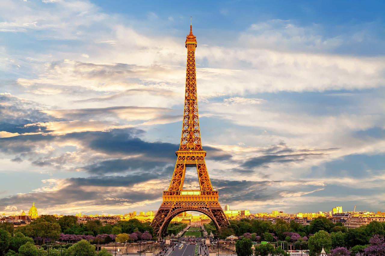 eiffel-tower-3349075_1280