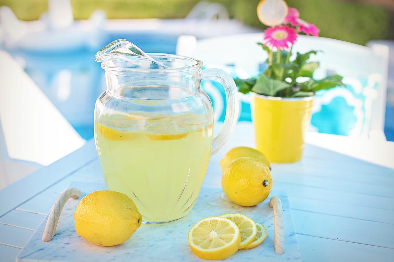 lemonade-3571083_1280