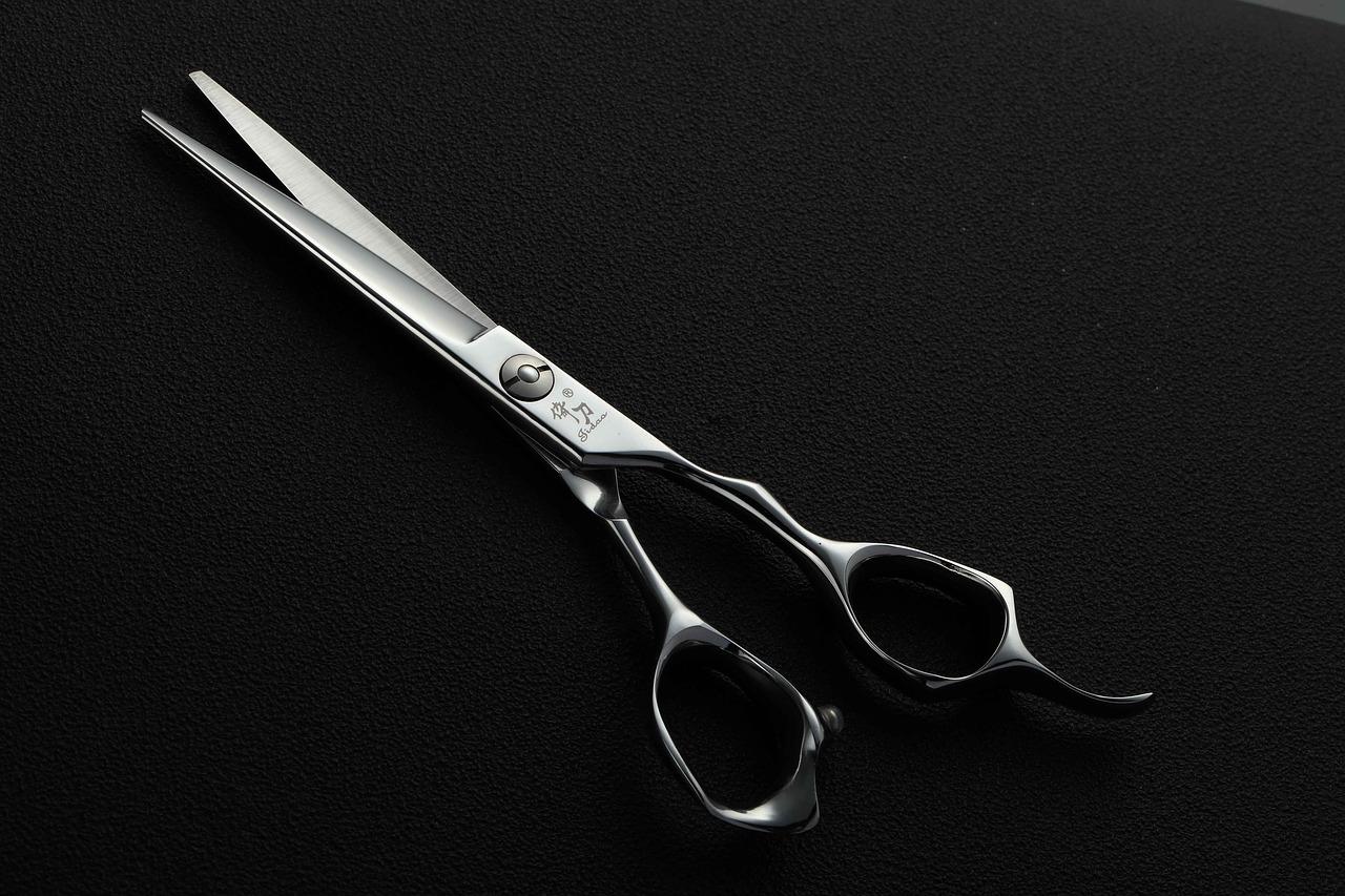 scissors-3765407_1280