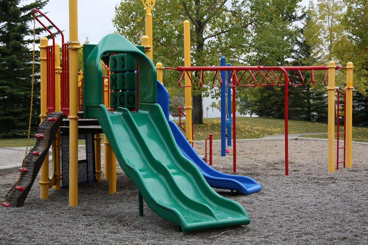 playground-2263827_1280