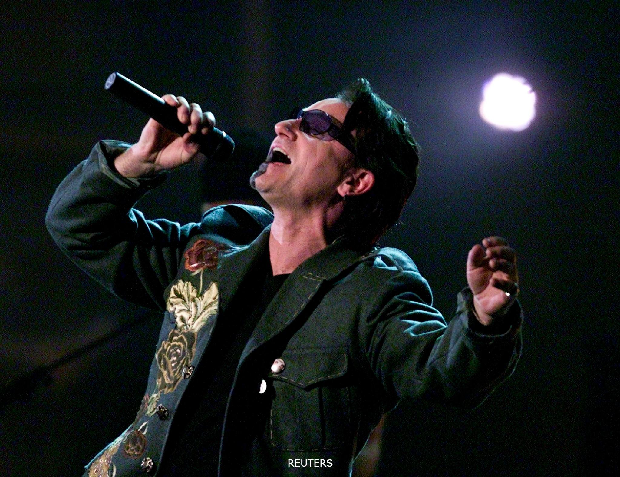 U2 Bono RU