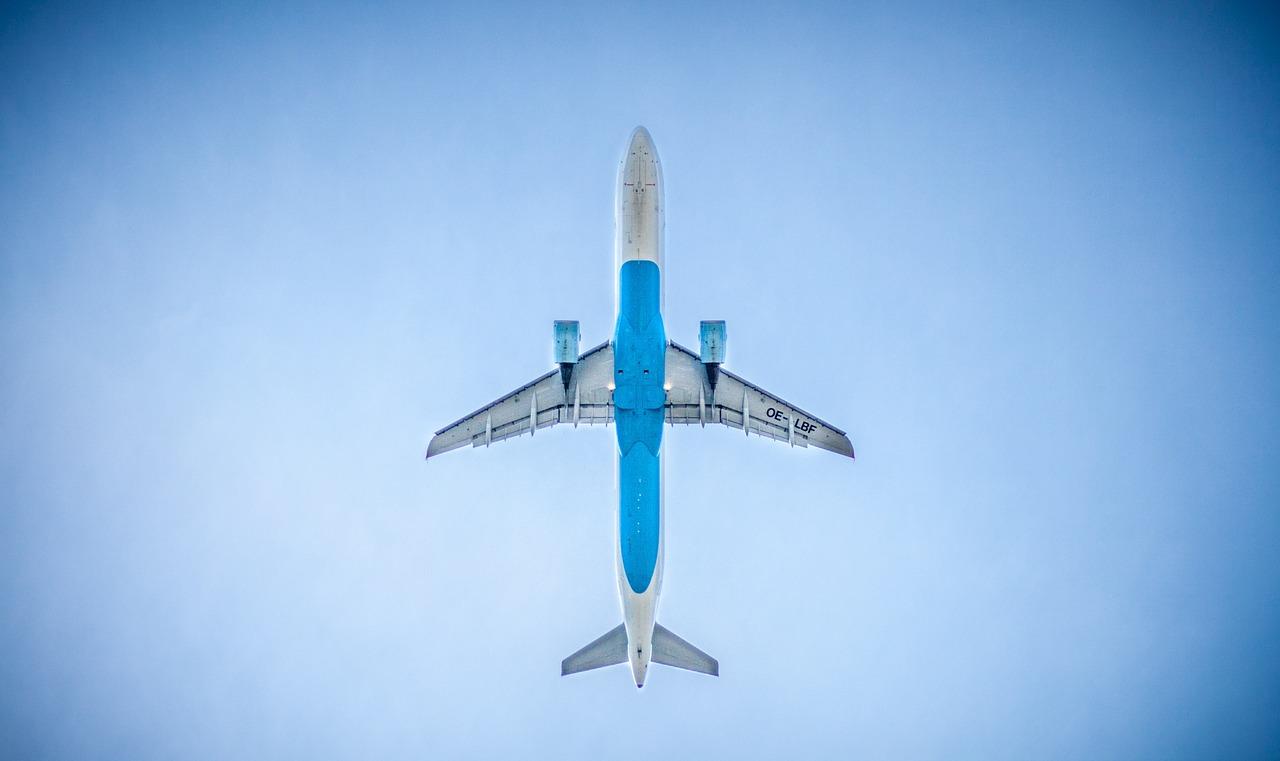 airplane-983991_1280