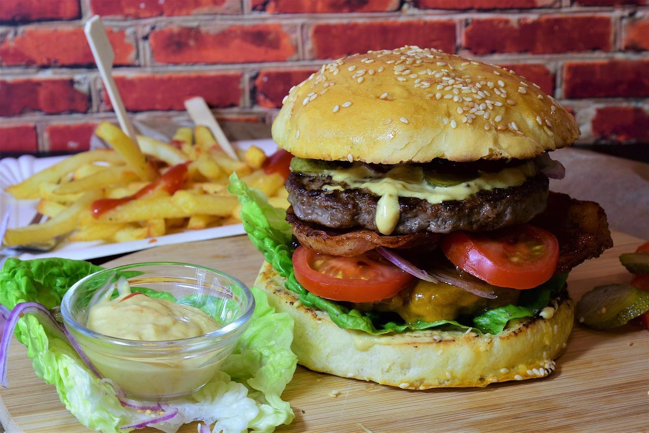 burger-3962996_1280