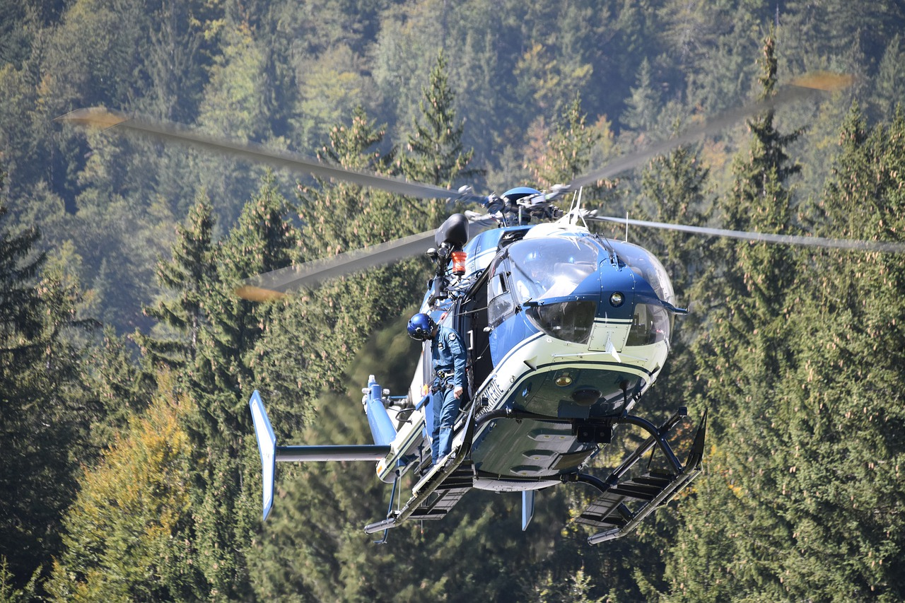 helicopter-4516803_1280