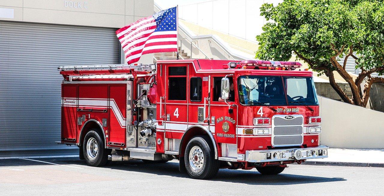 fire-truck-3545818_1280