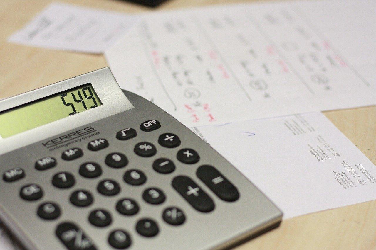 calculator paying bills
